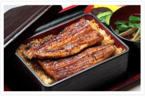 大阪なんばに本店を構える明治からの老舗うなぎや 川上商店のデリバリーを 2017年6月から開始致します。国産うなぎを備長炭で焼き上げた本物のうなぎを 是非お召し上がりください。